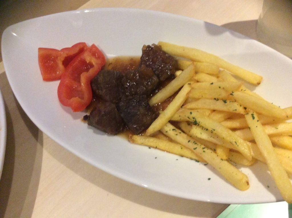 お肉とポテト